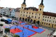 Loňský ročník KOČÍ ALGORIT STREETBALL CUP se na Velkém náměstí v Písku odehrál poprvé. Místo turnaji velmi sluší.